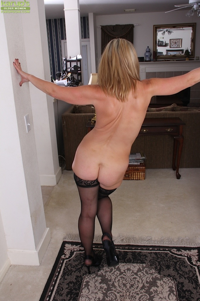 Mature Naked Women Ass
