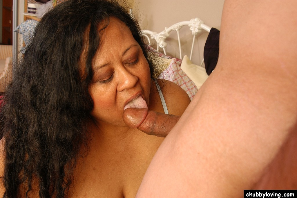 College lesbian licking pussy