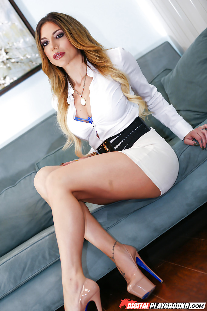 Naked office solo girls