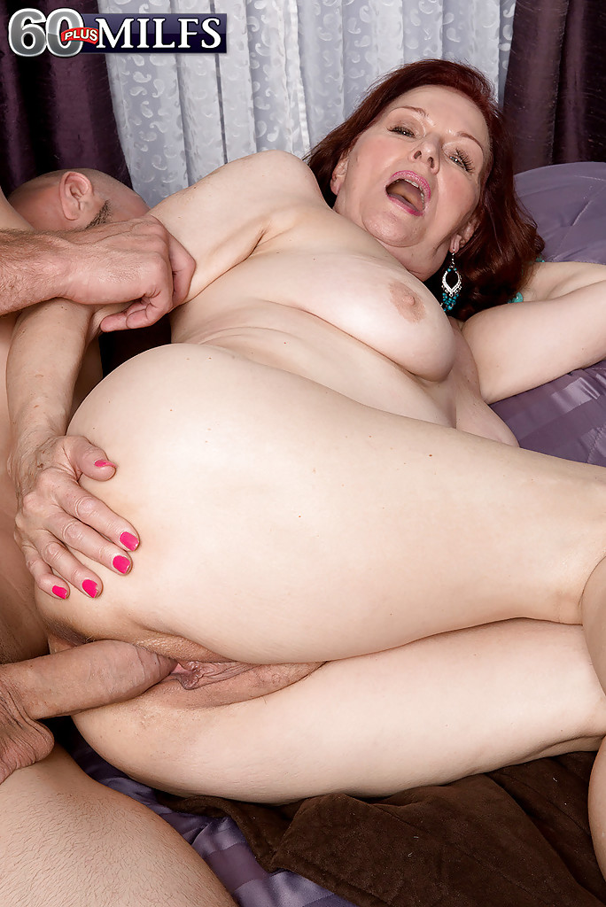 Oldergirl fucked hard super wet