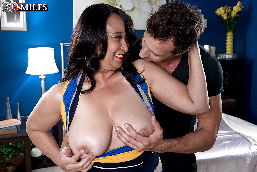 Tyra moore big natural black boobs justporno.tv