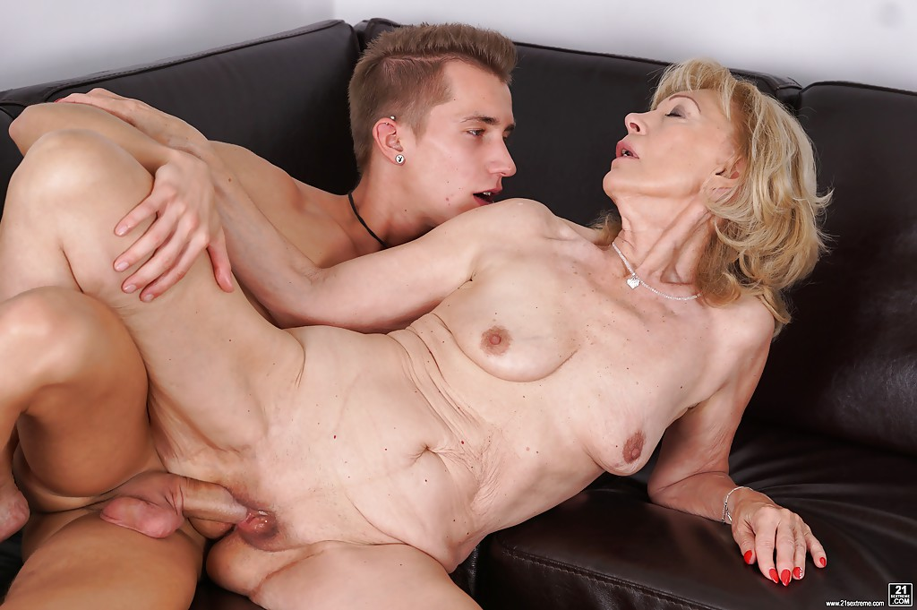 cougar young fuck