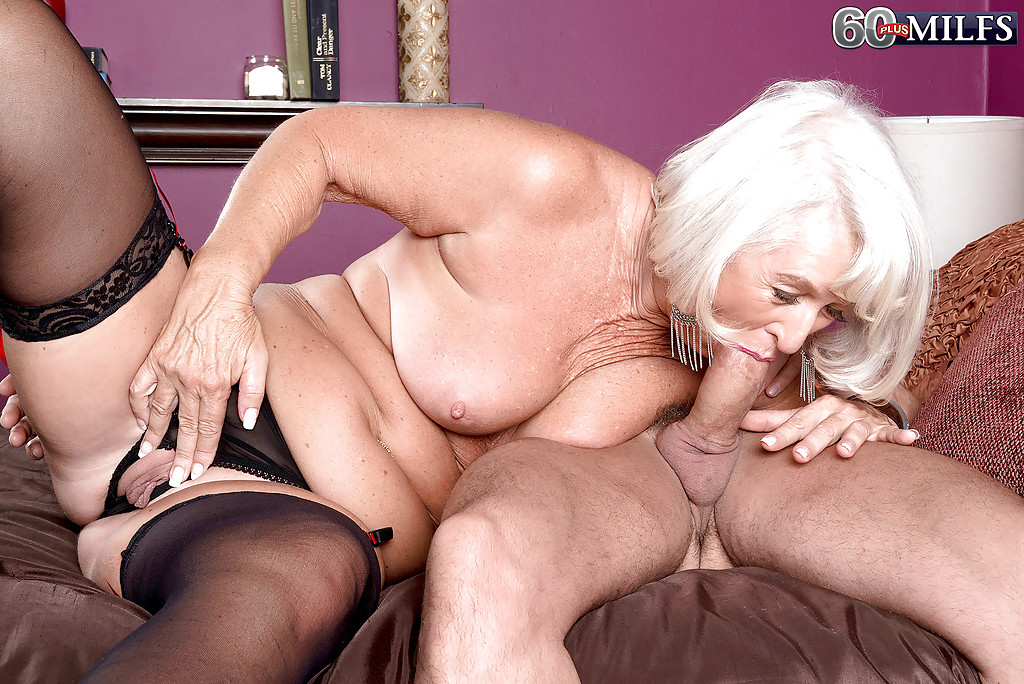 hot fat housewife is extreme flexible
