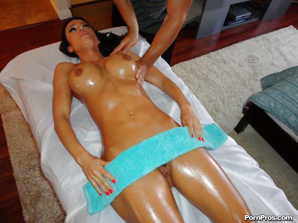 mexico-nude-massage-drinking