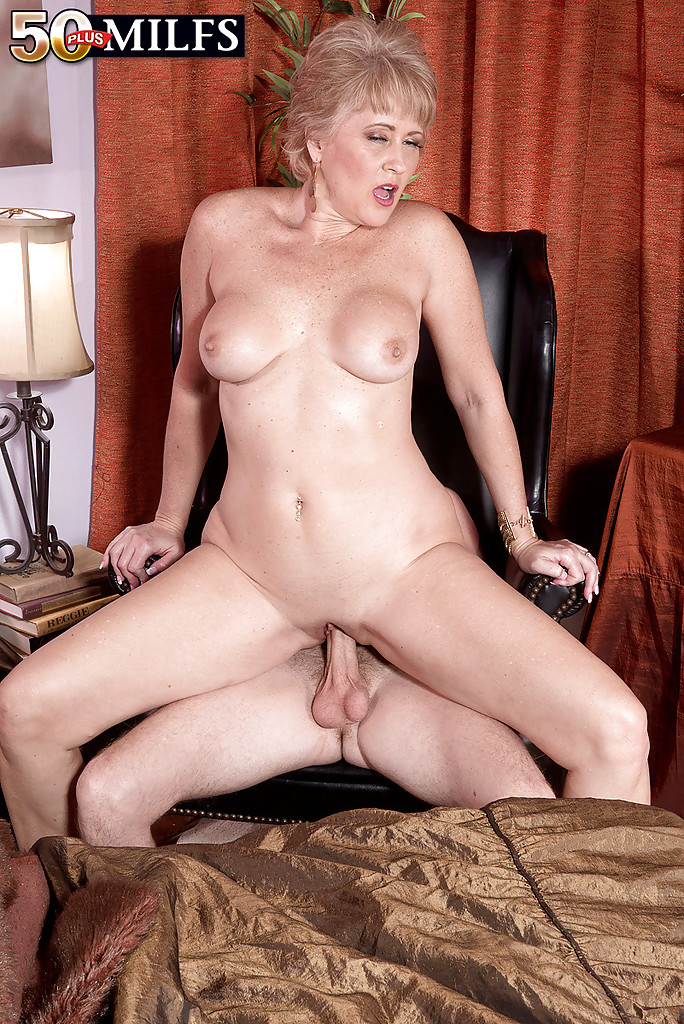 hot wife tracy pussy