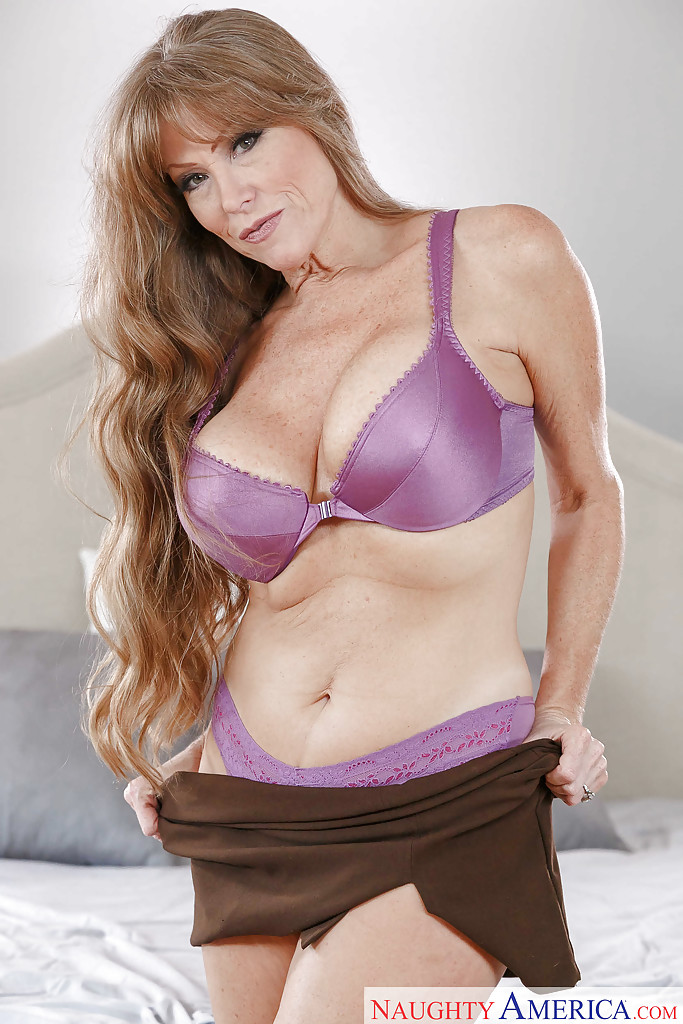The Hot mom darla crane as has