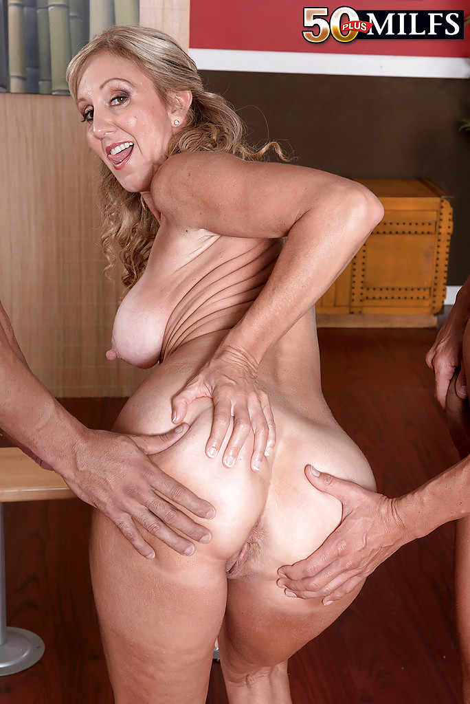 older women sucking and fucking