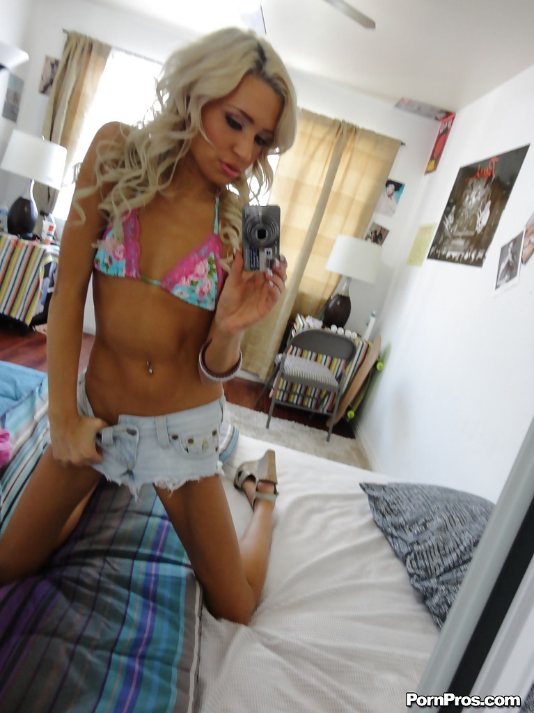 selfshot-tiny-nude-kelly-anderson-fuck-videos