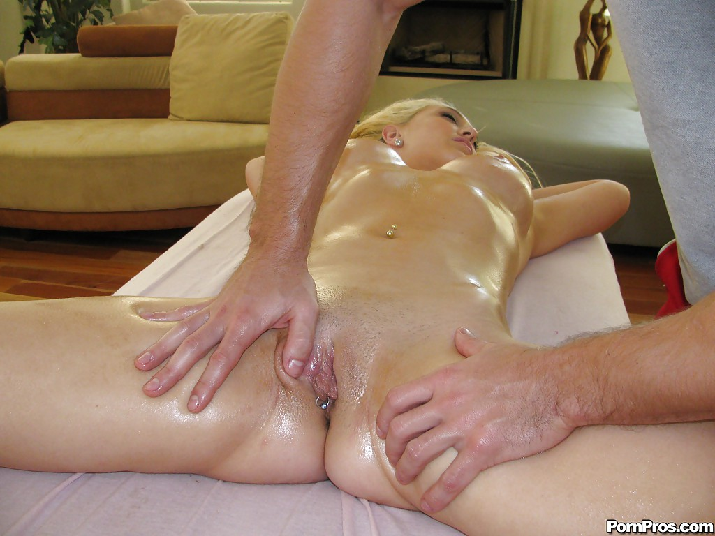 having masseuse