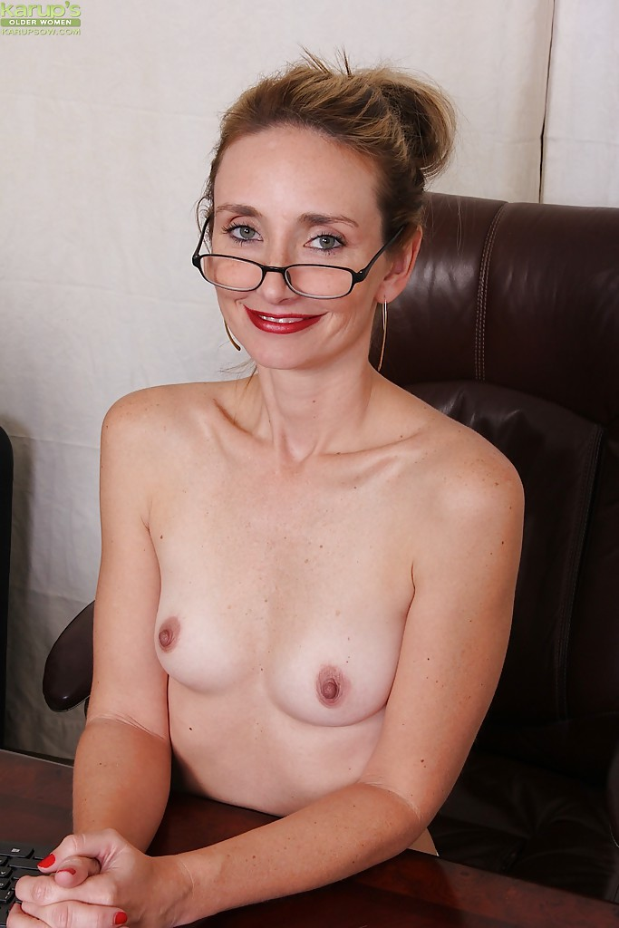 Has naked mature office woman please where