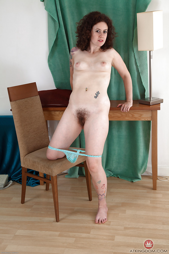 Mature nude hairy pussy
