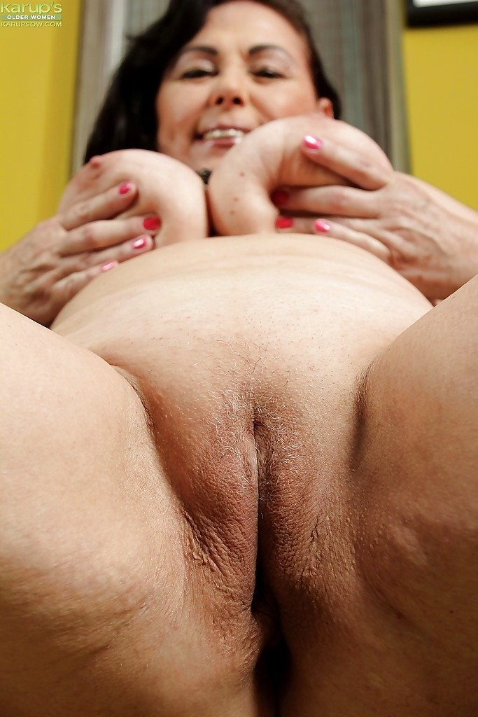 Shaved cunts on real fat women