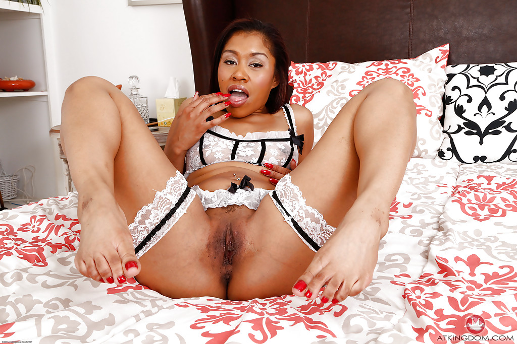 Ebony yasmine de leon blows black cock rome major - 2 part 2