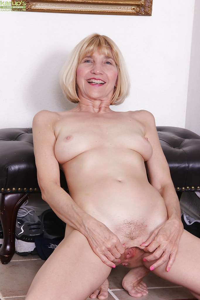 Mature free upskirt stockings tube-6610