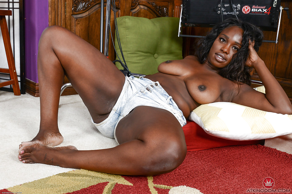 Big booty ebony amateurs