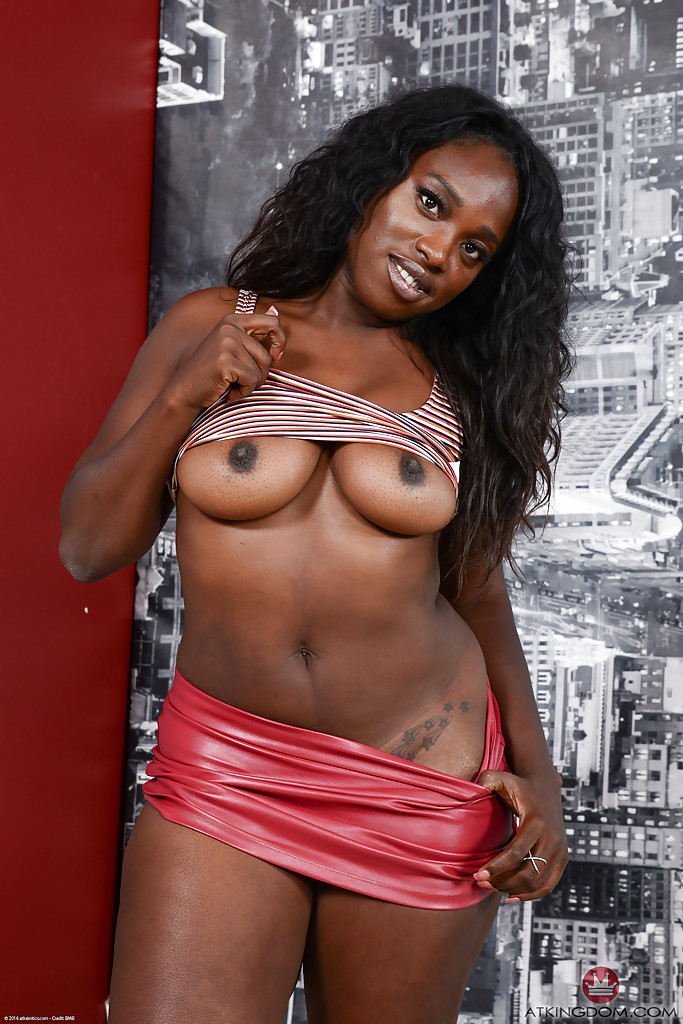 Hot tight ebony playing with her toys