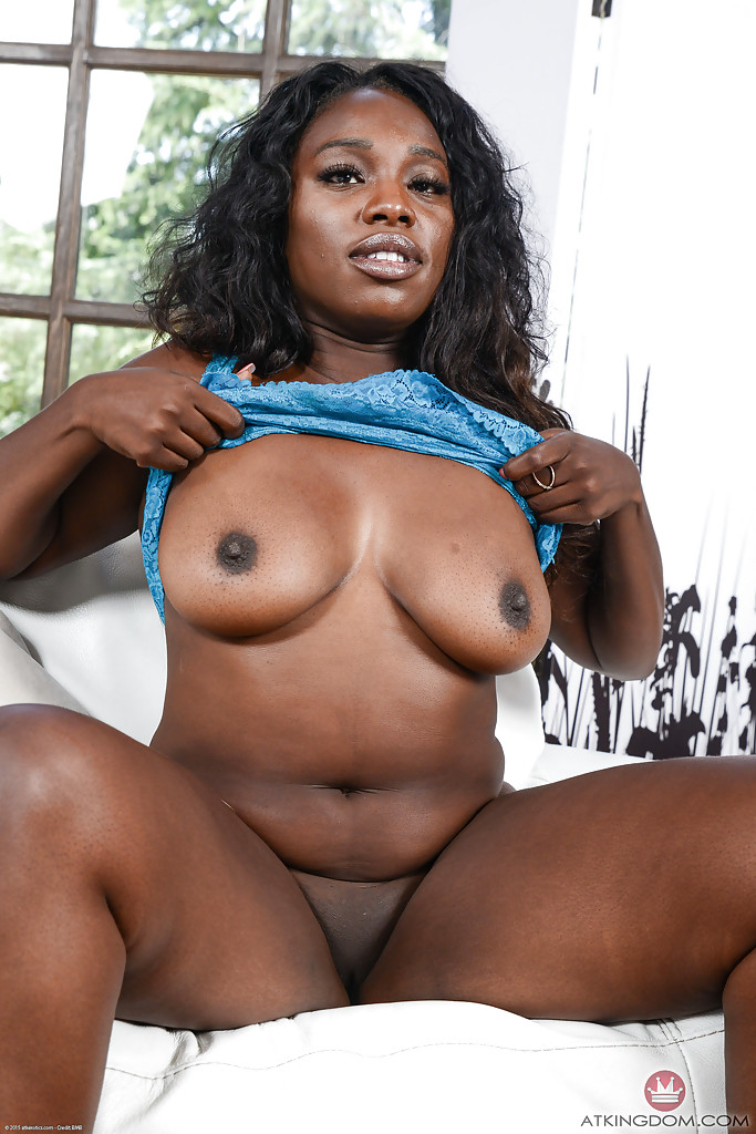 Ebony big pusy