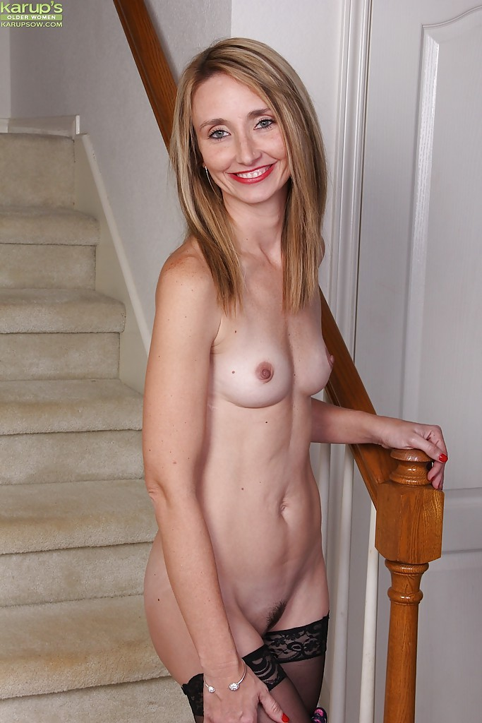 Skinny blonde women nude