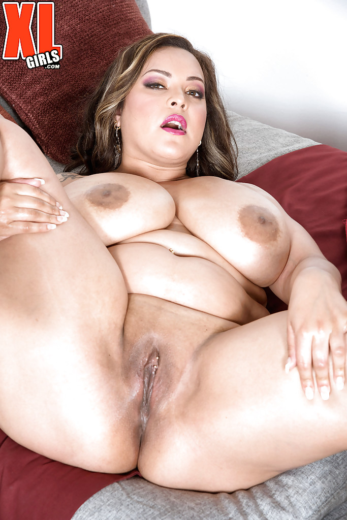 Bbw Solo Fingering Up Close