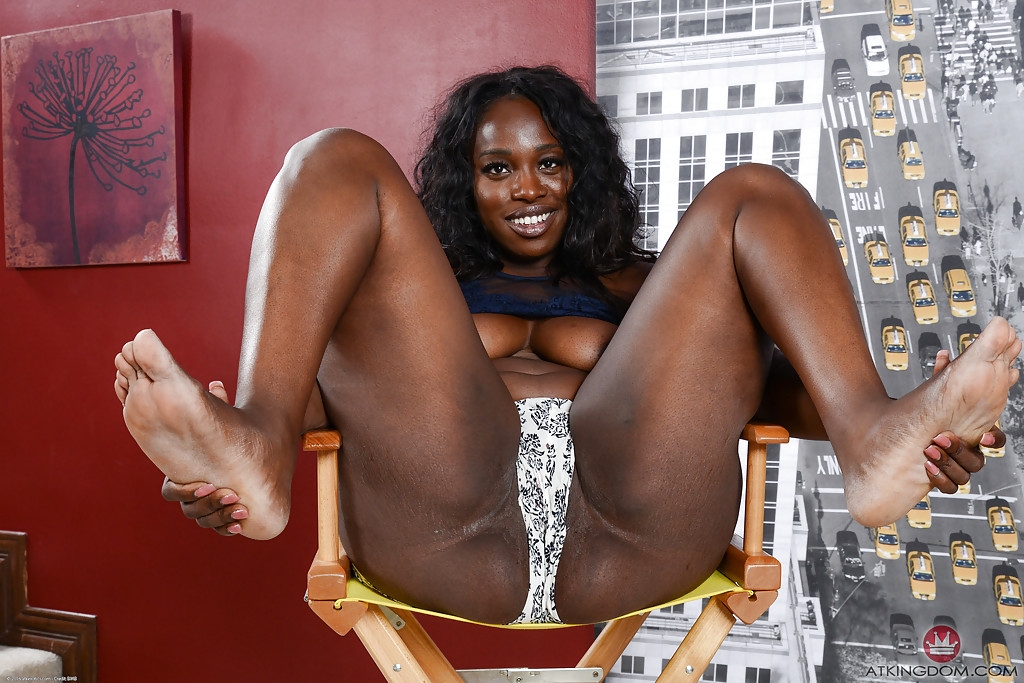 Ebony fat ass and pussy