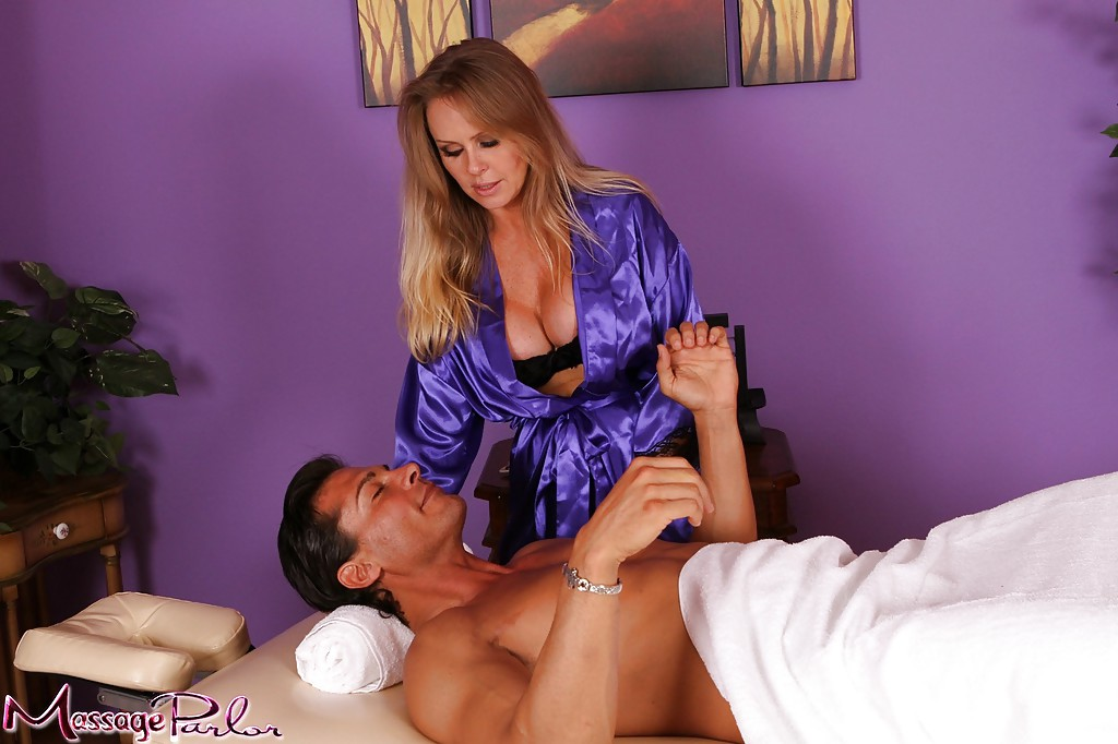 Massage palour sex