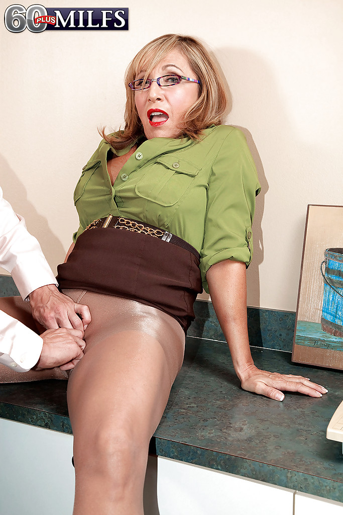 Mature office pantyhose sex