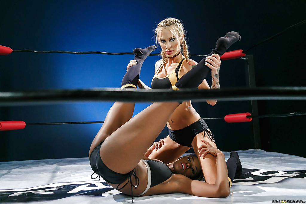 Women wrestling porn videos