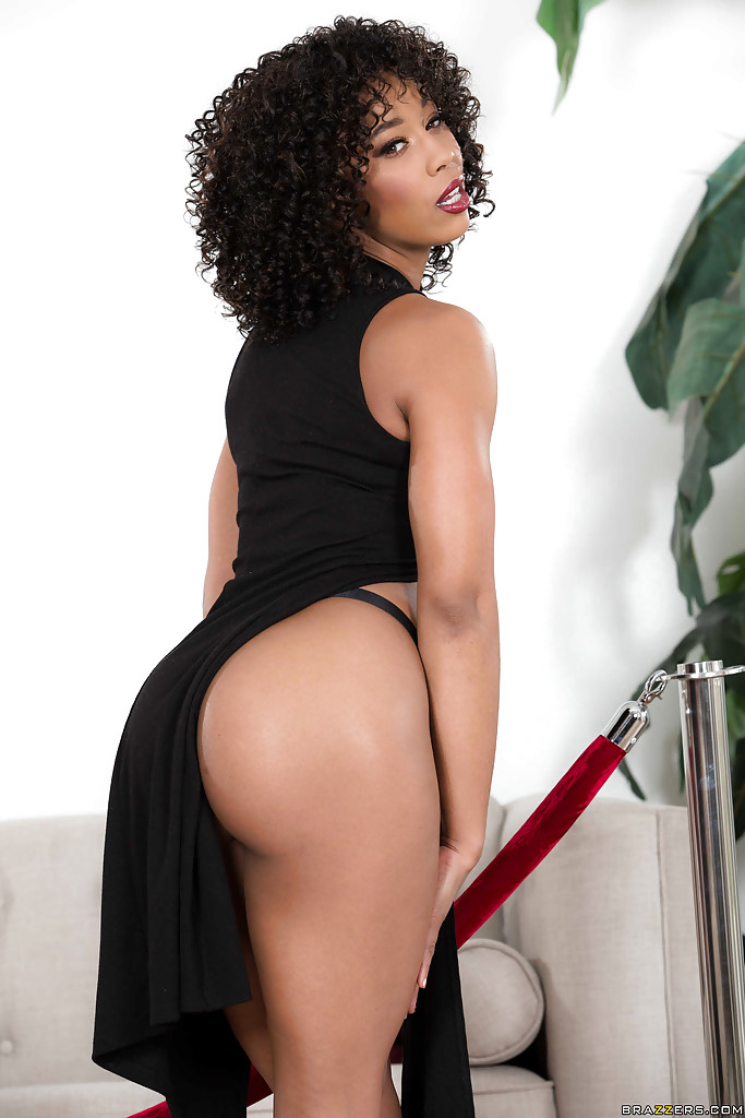 naked giant black pornstar