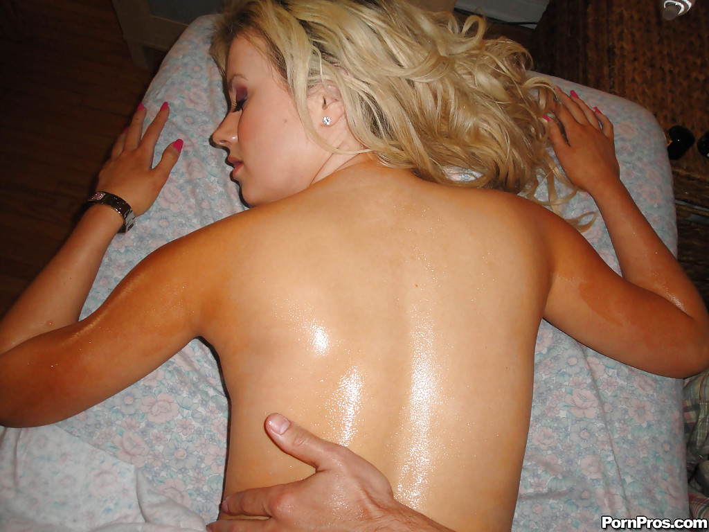 Big oiled wet milf with curves fucked shaved pussy oiled