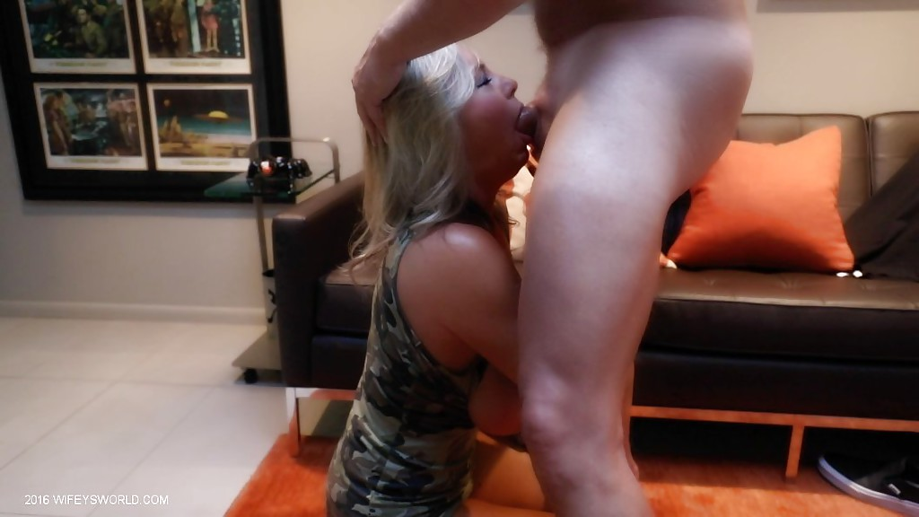 Housewife getting throat fucked