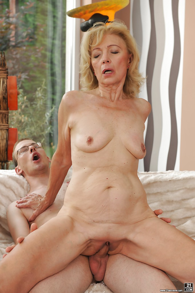Mature pussy on young cock share