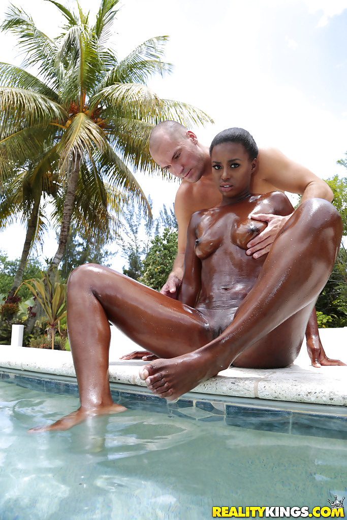 Outdoor ebony porn, christina hendrix fake sex photos