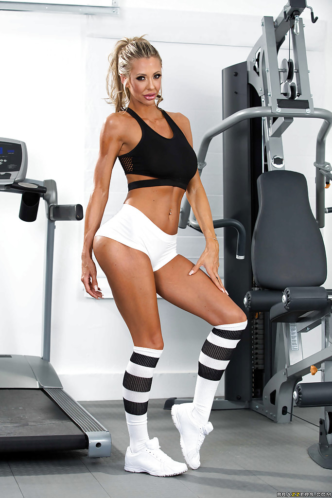 Blonde milf working out can
