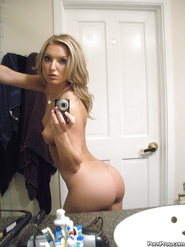 selfies nudes Blonde ass
