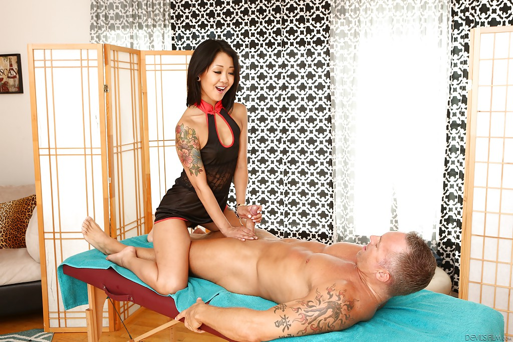 Massage parlor guide chapter 1 the hand job Part 6