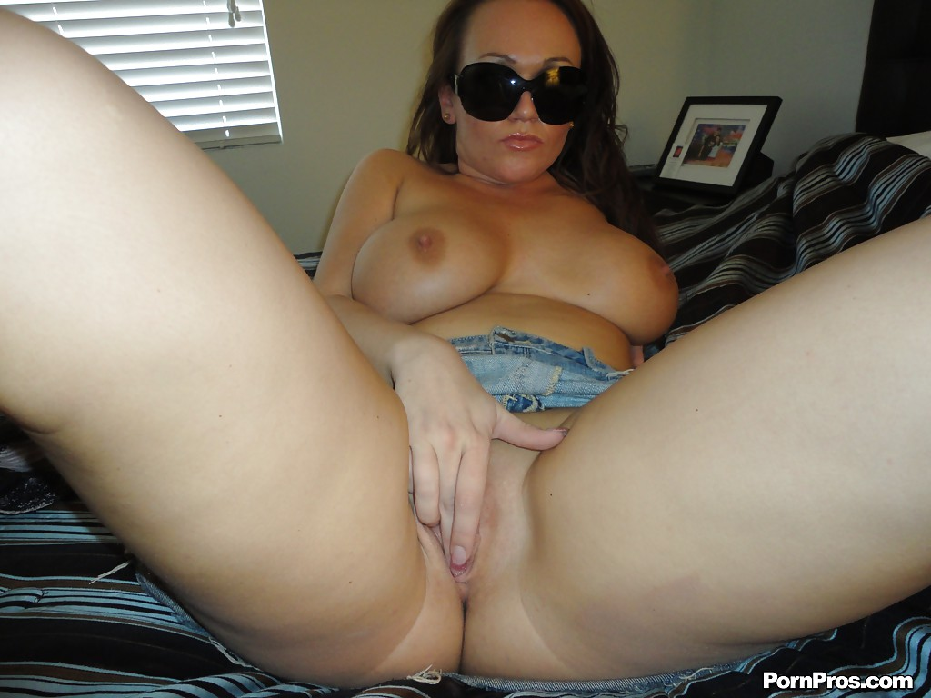ex girlfriend nude pic shaved