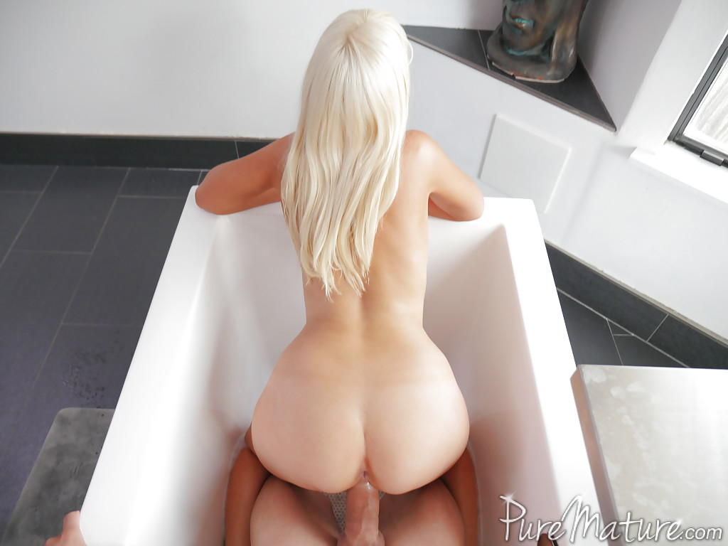 Naked sex in a bath tub pic 368