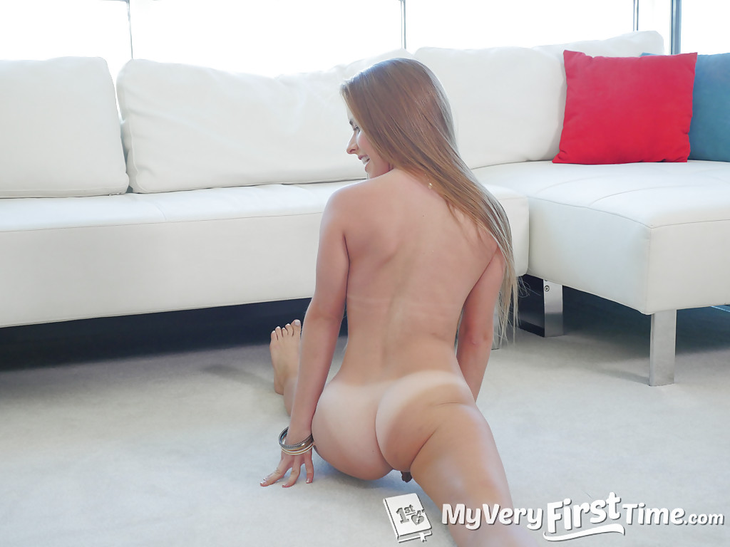 Petite amateur Lilly Ford slowly undressing before displaying her pink pussy