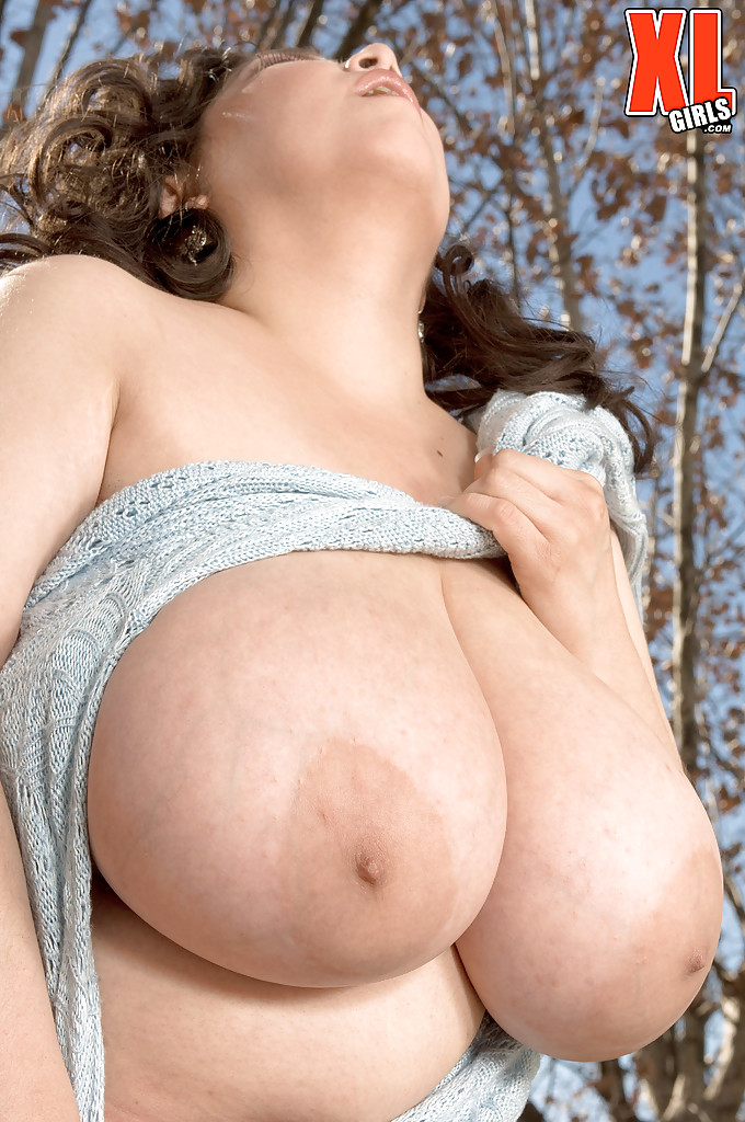 Huge tits and ass bbw