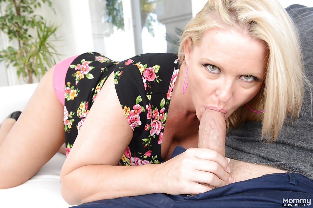 Maya devine blond blowjob