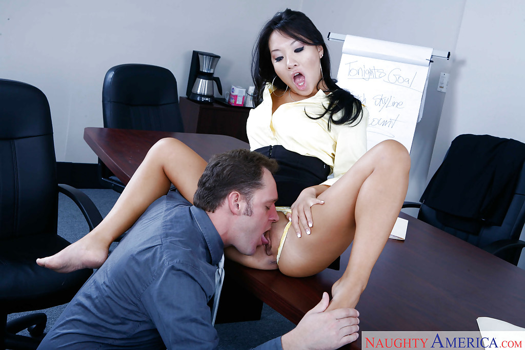 office-sex-freeones-asian