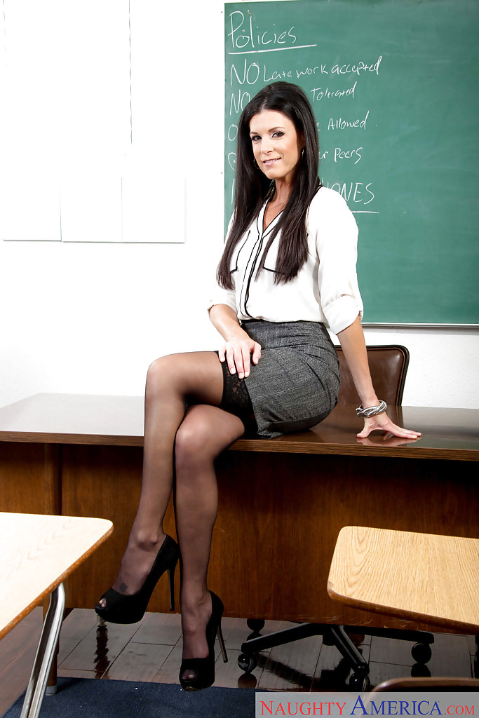 workouts-office-pantyhose-sex-naughty