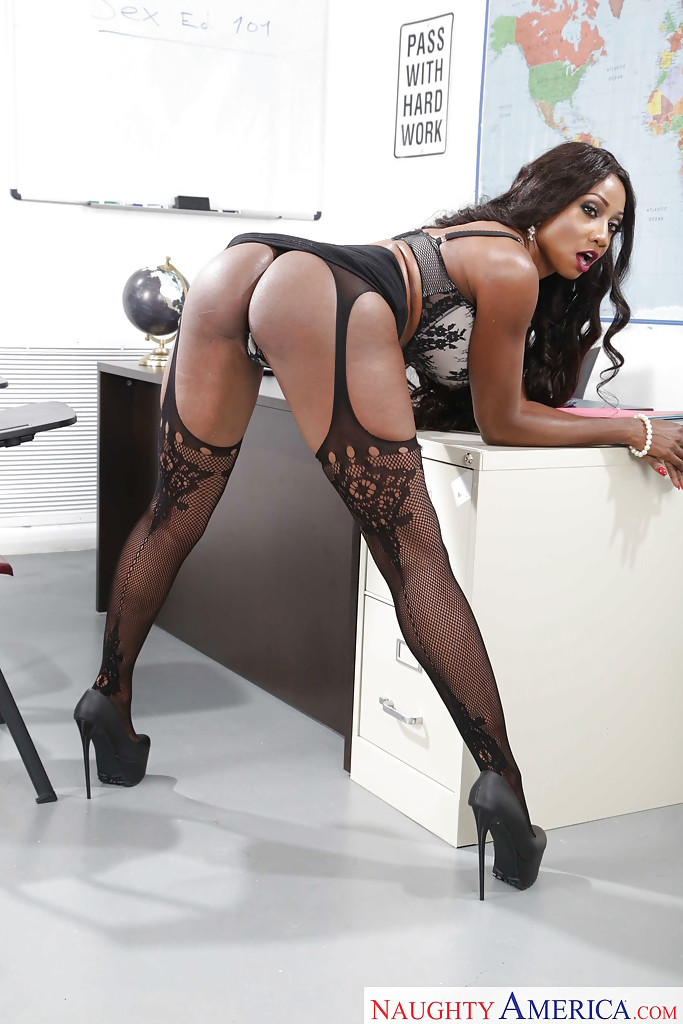 ... Naked ebony diva Diamond Jackson smashing pussy play in the classroom  ...