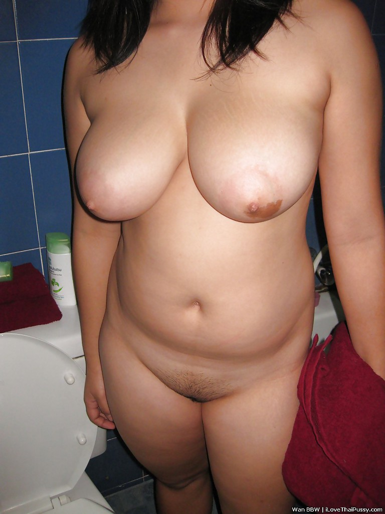 Teen girl nude toilet