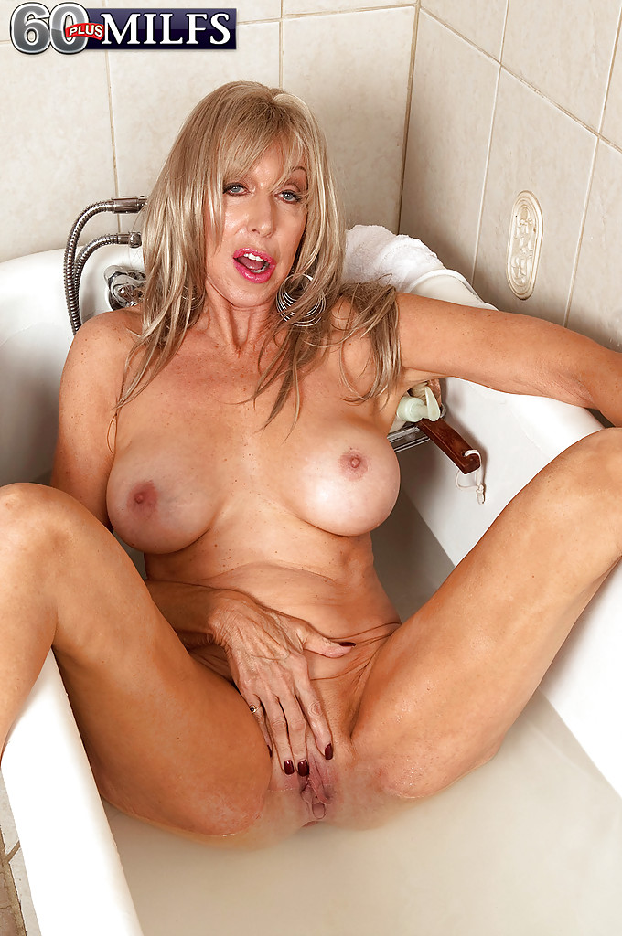 Plus milfs milf model christy cougar-1474