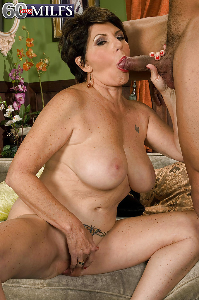 Hot old babes fucking