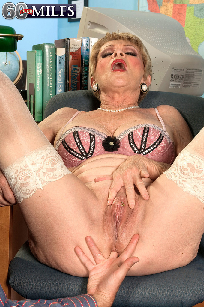 housewife mature pussy pics