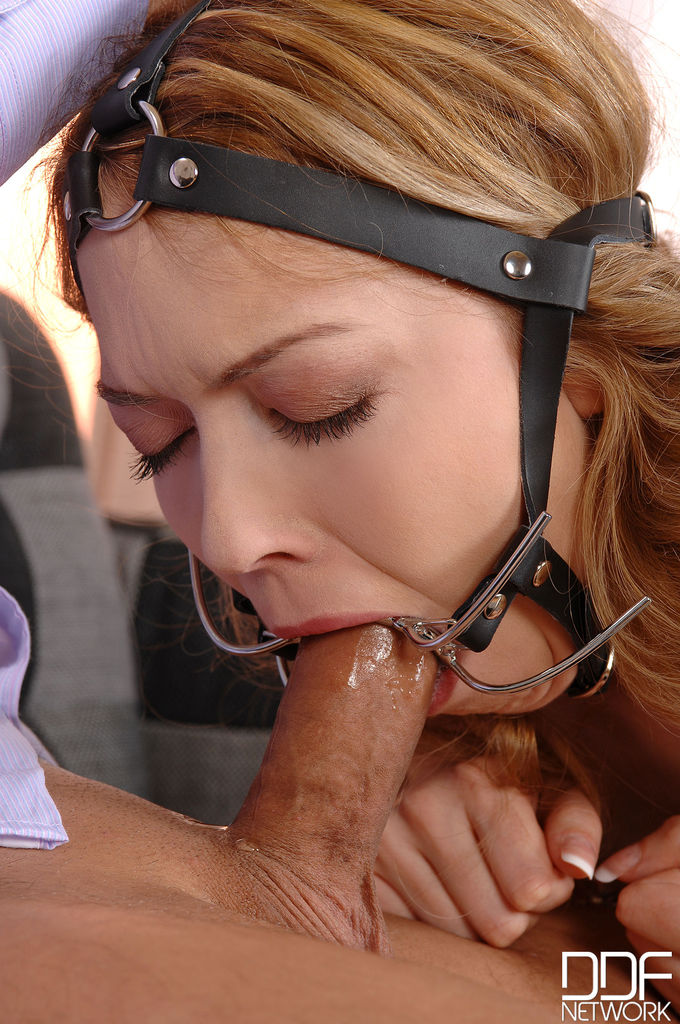 Blow job gag ring, black elk pictures