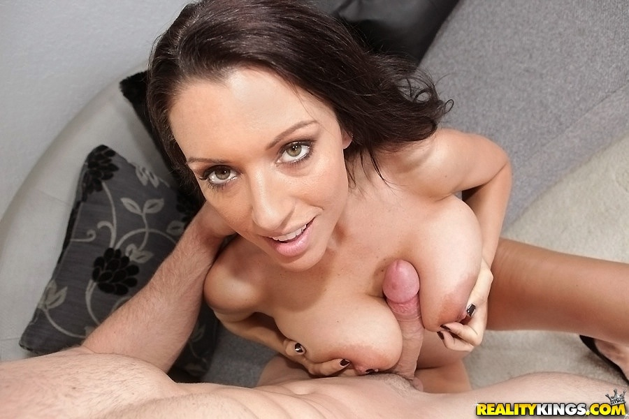 Pleasing his milf boss