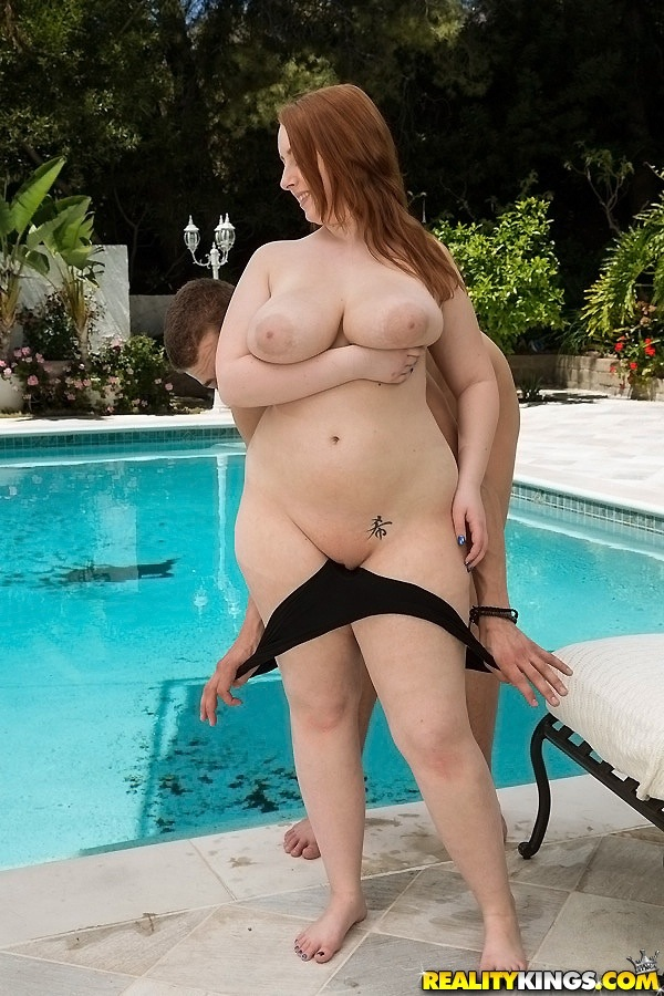 fat naked girl swimming
